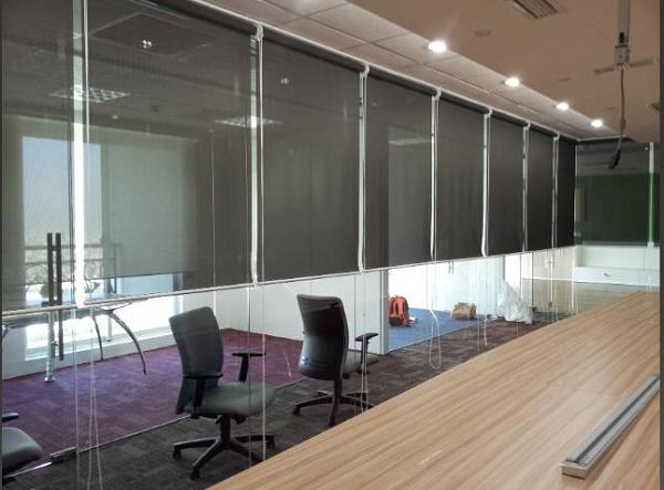 Rèm cuốn thường được sử dụng tại các văn phòng công ty