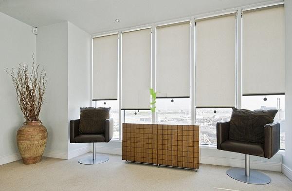 Rèm cửa đơn giản cho văn phòng hiện đại